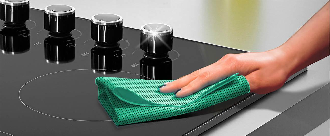 A Bonus+ PowerSCRUB kendő karcolásmentesen tisztít, így alkalmas üveg-, inox-, és kerámia felületek tisztítására is!