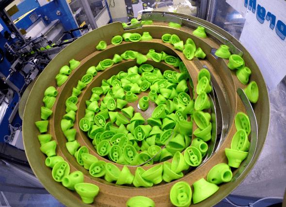Bonus SoftMOP felmosó pótfej zöld kupakjai a rezgő adagolóban - kép gyártásból